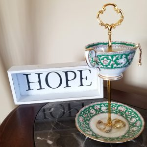Cup and Saucer Stand